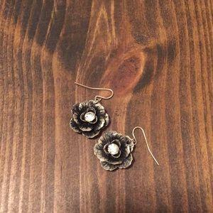 Premier Designs Flower dangle earrings